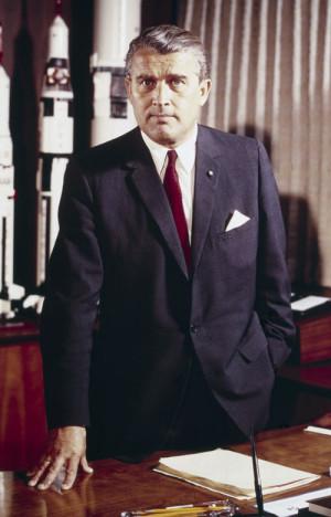 Вернер фон Браун первым попытался запустить человека в космос, сначала в нацистской Германии, а потом в США. Но Сергей Королёв сумел его опередить.