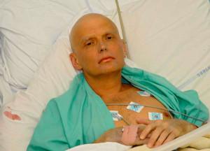 Спецслужбы используют радиоактивный полоний-210. Безопасной считается доза в 7 пикограмм. Частица размером с пылинку, попав в легкие человека, убивает его мгновенно. Им, предположительно, был отравлен экс-подполковник ФСБ А. Литвиненко.