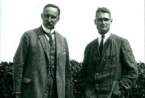 «Отец геополитической науки» Карл Хаусхофер (слева) и Рудольф Гесс. 1920 год