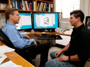 Майкл Браун и его коллега по Калифорнийскому технологическому институту Константин Батыгин