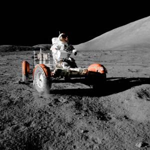Реголит под колесами лунного автомобиля