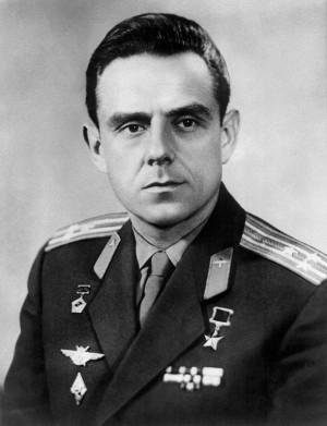 Владимир Михайлович Комаров (16 марта 1927 - 24 апреля 1967)