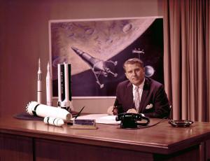 Под руководством фон Брауна была осуществлена мечта Валье о полёте человека на Луну