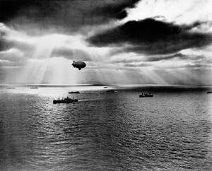 С целью своевременного обнаружения угроз со стороны японских подводных лодок американские вооруженные силы использовали дирижабли