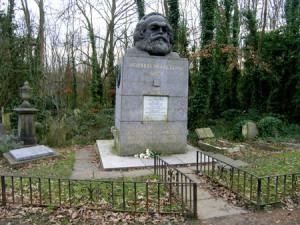 Наиболее известным захоронением восточной части кладбища является могила Карла Маркса