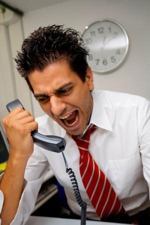 """Вампир может """"заправиться"""" энергией даже по телефону"""