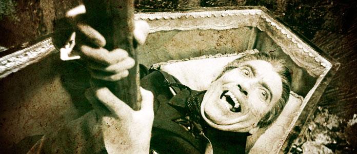 Считается, что уничтожить вампира можно, лишь вбив ему в сердце осиновый кол