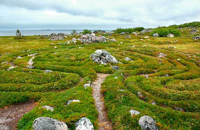 Каменный лабиринт на острове Большой Заяцкий