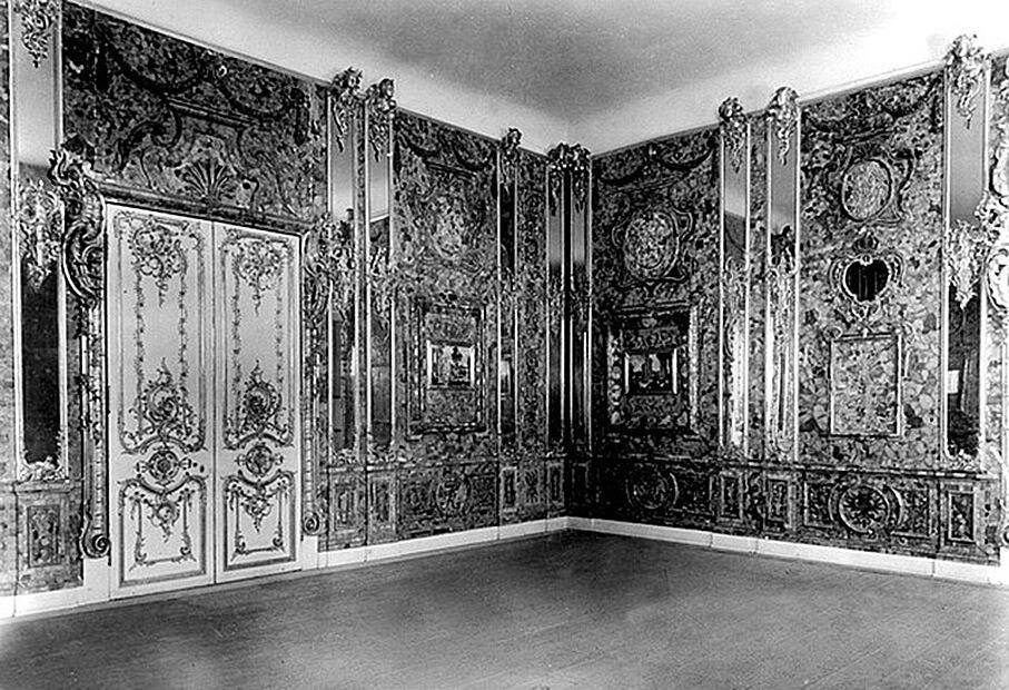 Янтарный кабинет в замке в 1943-м году.