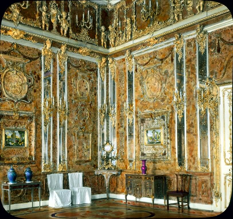 Единственная довоенная цветная фотография Янтарной комнаты.
