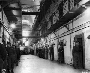 Нюрнбергская тюрьма, охрана у камер обвиняемых. 1945 г.