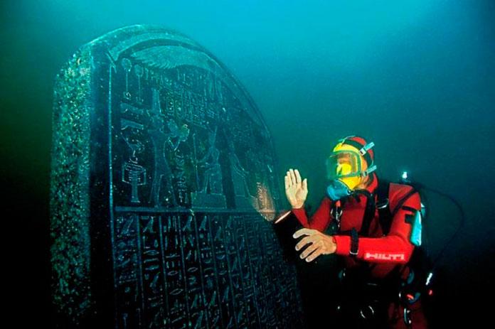 Главная находка — это та самая стела, на которой красуется надпись: «Гераклион-Тронис» (второе название — древнеегипетское).