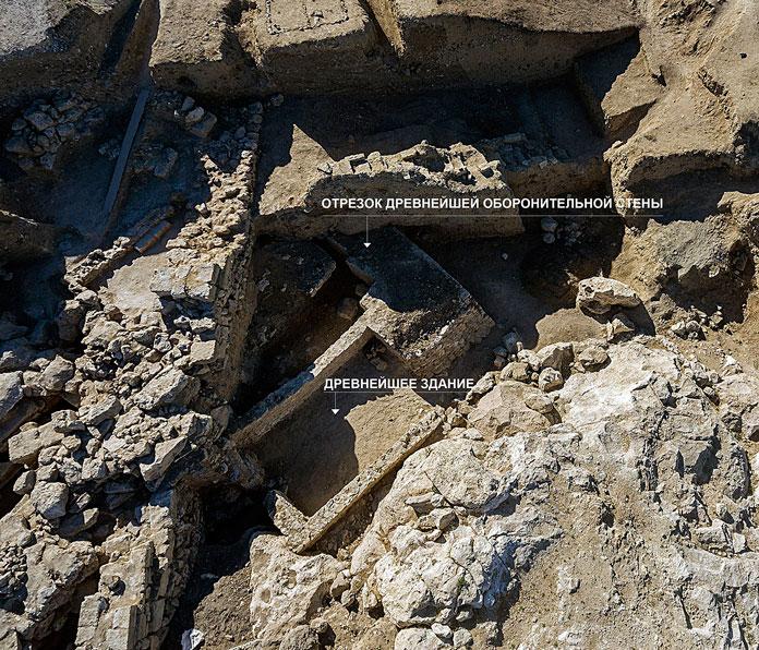 Общий вид на древнейшие постройки Первого периода. Фото: © Константина Ходаковского из личного архив Владимира Толстикова
