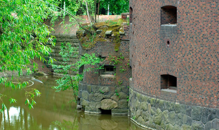 Башня Врангель и ее капонир.