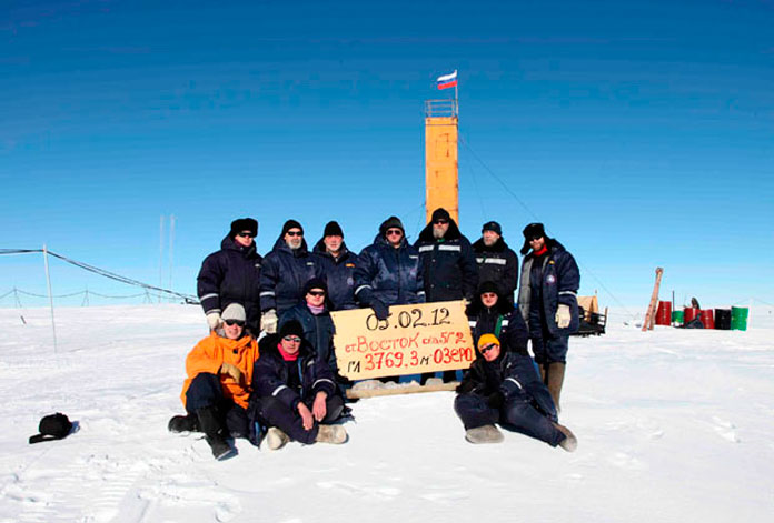 После бурения 5 февраля 2012 года. Фото: Arctic and Antarctic Research Institute Press Service / Reuters