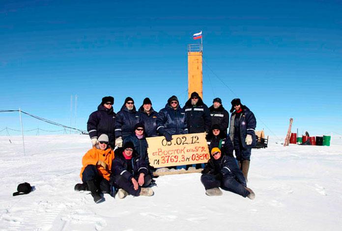 После бурения 5 февраля 2012 года. Фото: Arctic and Antarctic Research Institute Press Service / Reuters