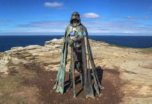 Статуя короля Артура в Тинтагеле
